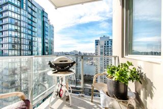 """Photo 15: 2202 1408 STRATHMORE Mews in Vancouver: Yaletown Condo for sale in """"WEST ONE"""" (Vancouver West)  : MLS®# R2432434"""