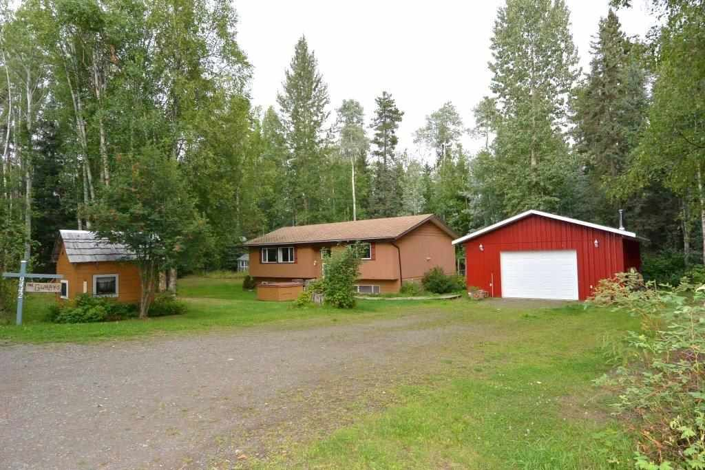 """Main Photo: 9442 POPE Road in Smithers: Smithers - Rural House for sale in """"EVELYN"""" (Smithers And Area (Zone 54))  : MLS®# R2398369"""