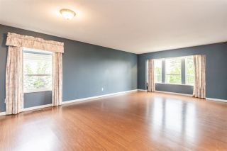 Photo 2: 6219 192 Street in Surrey: Cloverdale BC House for sale (Cloverdale)  : MLS®# R2388861