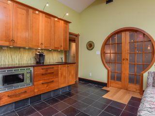 Photo 3: 330 MCLEOD STREET in COMOX: CV Comox (Town of) House for sale (Comox Valley)  : MLS®# 821647