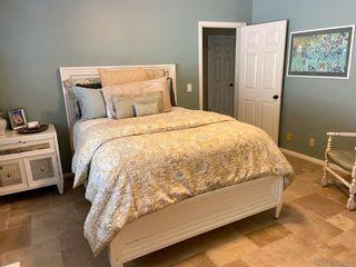 Photo 14: VISTA House for sale : 3 bedrooms : 883 Evergreen Lane