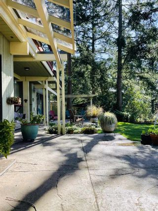Photo 2: 256 EAST POINT Road: Saturna Island House for sale (Islands-Van. & Gulf)  : MLS®# R2559567