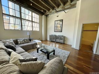 Photo 2: 312 W 5th Street Unit 202 in Los Angeles: Residential for sale (C42 - Downtown L.A.)  : MLS®# SR21227428