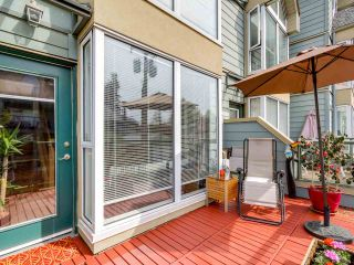 """Photo 12: 3011 LAUREL Street in Vancouver: Fairview VW Townhouse for sale in """"FAIRVIEW COURT"""" (Vancouver West)  : MLS®# R2058843"""
