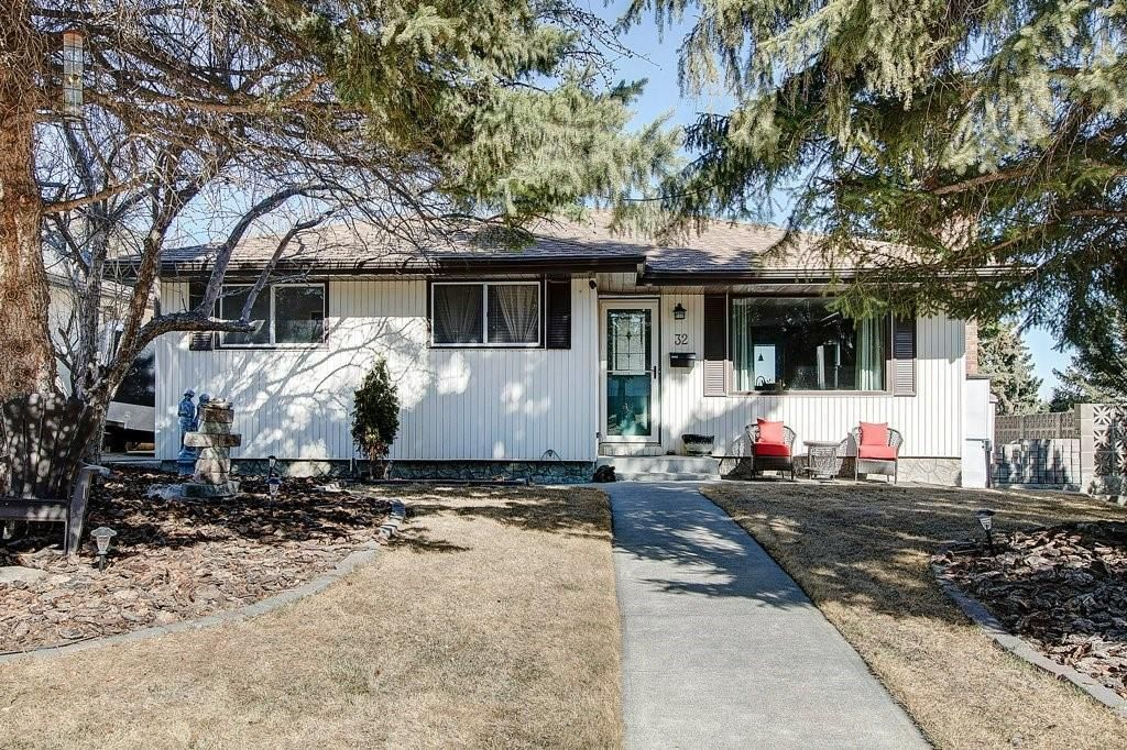 Main Photo: 32 Hunterquay Place NW in Calgary: Huntington Hills Detached for sale : MLS®# A1072158