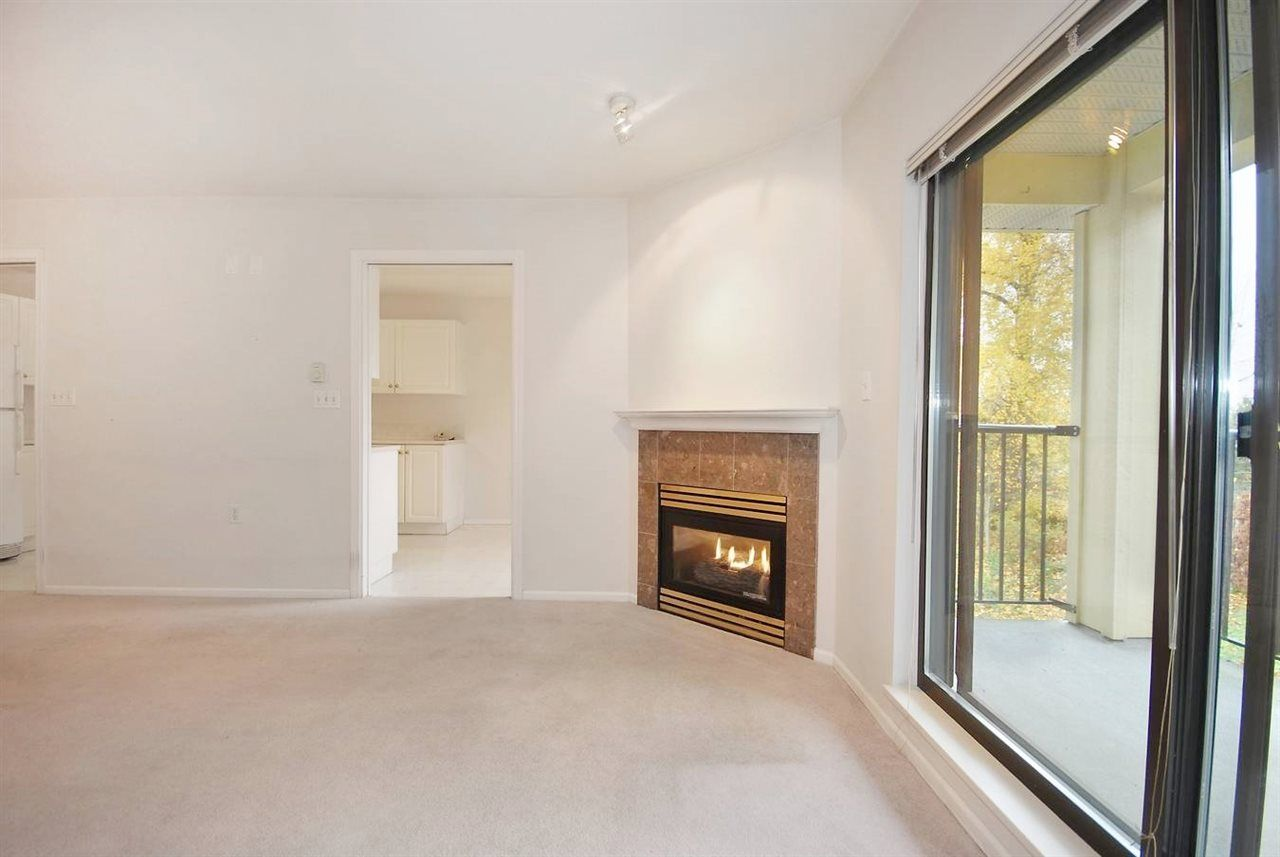 """Photo 3: Photos: 306 102 BEGIN Street in Coquitlam: Maillardville Condo for sale in """"CHATEAU D'OR"""" : MLS®# R2015247"""