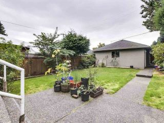 Photo 2: 962 W 23RD Avenue in Vancouver: Cambie House for sale (Vancouver West)  : MLS®# R2546232