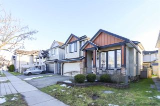 """Photo 3: 14648 79 Avenue in Surrey: East Newton House for sale in """"EAST NEWTON"""" : MLS®# R2539943"""