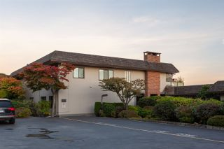 Photo 5: 14 2206 FOLKESTONE WAY in West Vancouver: Panorama Village Townhouse for sale : MLS®# R2477030