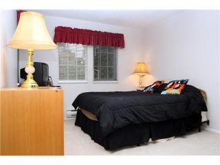 """Photo 8: 202 5518 14TH Avenue in Tsawwassen: Cliff Drive Condo for sale in """"WINDSOR WOODS"""" : MLS®# V964579"""