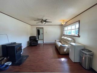 """Photo 4: 589 LEE Avenue: Willow River Manufactured Home for sale in """"Willow River"""" (PG Rural East (Zone 80))  : MLS®# R2589251"""