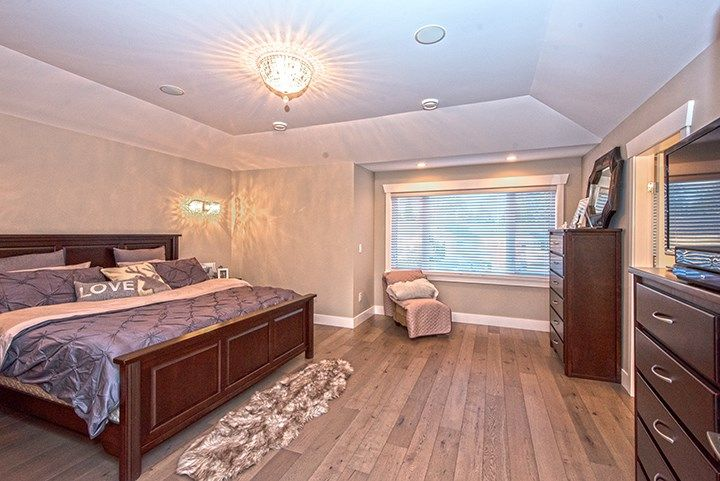 Photo 14: Photos: 919 MACINTOSH Street in Coquitlam: Harbour Chines House for sale : MLS®# R2014038