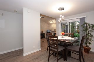 """Photo 4: 6088 W GREENSIDE Drive in Surrey: Cloverdale BC Townhouse for sale in """"Greenside Estates - Cluster 15"""" (Cloverdale)  : MLS®# R2318848"""