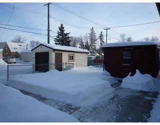 Photo 2: 1611 PRITCHARD Avenue in WINNIPEG: North End Residential for sale (North West Winnipeg)  : MLS®# 2900269