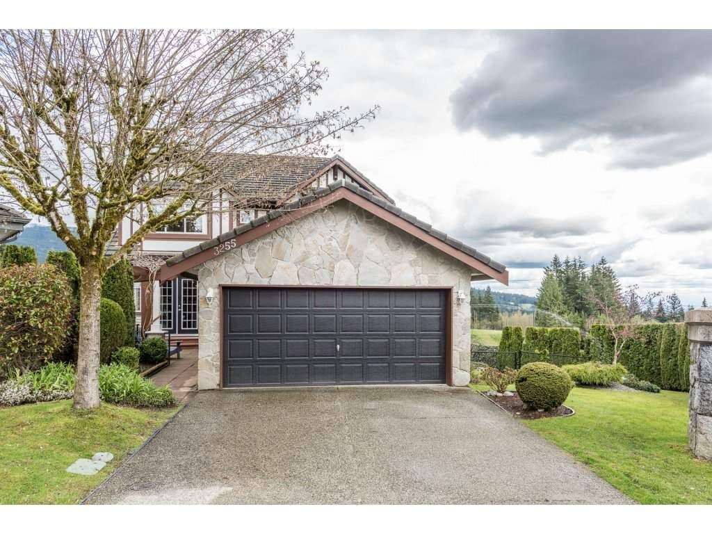 Main Photo: 3255 CHARTWELL GREEN in Coquitlam: Westwood Plateau House for sale : MLS®# R2159111
