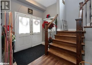 Photo 3: 23 ORLEANS Avenue in Barrie: House for sale : MLS®# 40079706