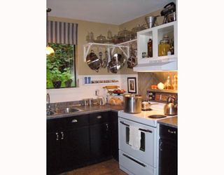 Photo 2: 7040 SKANA Crescent in Sechelt: Sechelt District House for sale (Sunshine Coast)  : MLS®# V755849