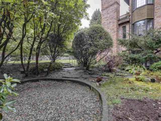 """Photo 17: 111 2320 W 40TH Avenue in Vancouver: Kerrisdale Condo for sale in """"Manor Gardens"""" (Vancouver West)  : MLS®# R2546363"""