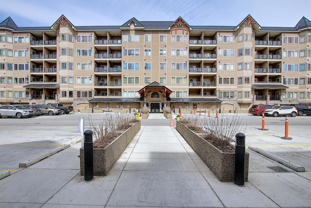 Main Photo: 210 30 DISCOVERY RIDGE Close SW in Calgary: Discovery Ridge Apartment for sale : MLS®# A1094789
