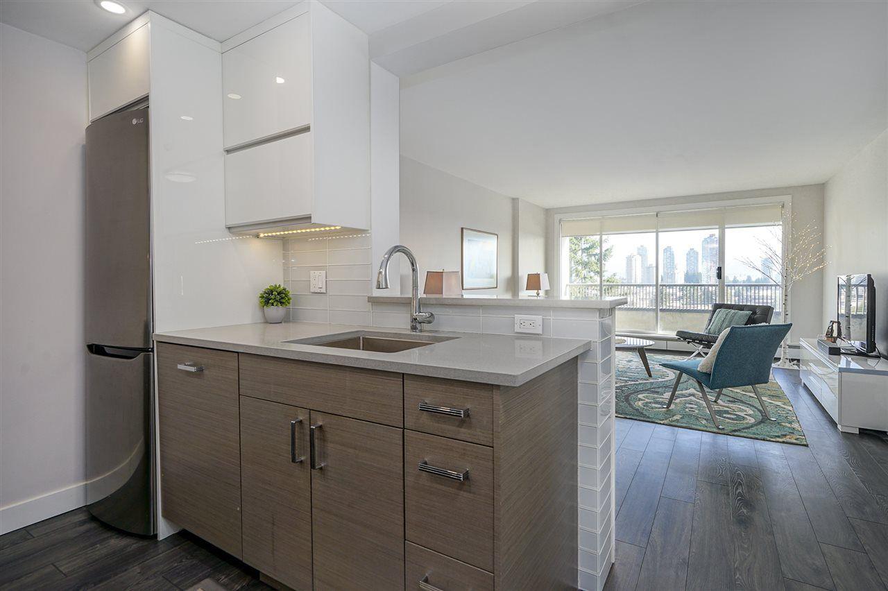 "Main Photo: 1105 6595 WILLINGDON Avenue in Burnaby: Metrotown Condo for sale in ""HUNTLEY MANOR"" (Burnaby South)  : MLS®# R2334446"