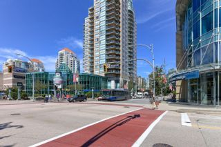 """Photo 2: 802 612 SIXTH Street in New Westminster: Uptown NW Condo for sale in """"The Woodward"""" : MLS®# R2596362"""