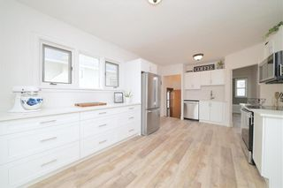 Photo 5: 635 Valour Road in Winnipeg: West End Residential for sale (5C)  : MLS®# 202108461