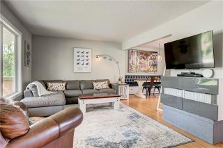 Photo 4: 4715 29 Avenue SW in Calgary: Glenbrook Detached for sale : MLS®# C4302989