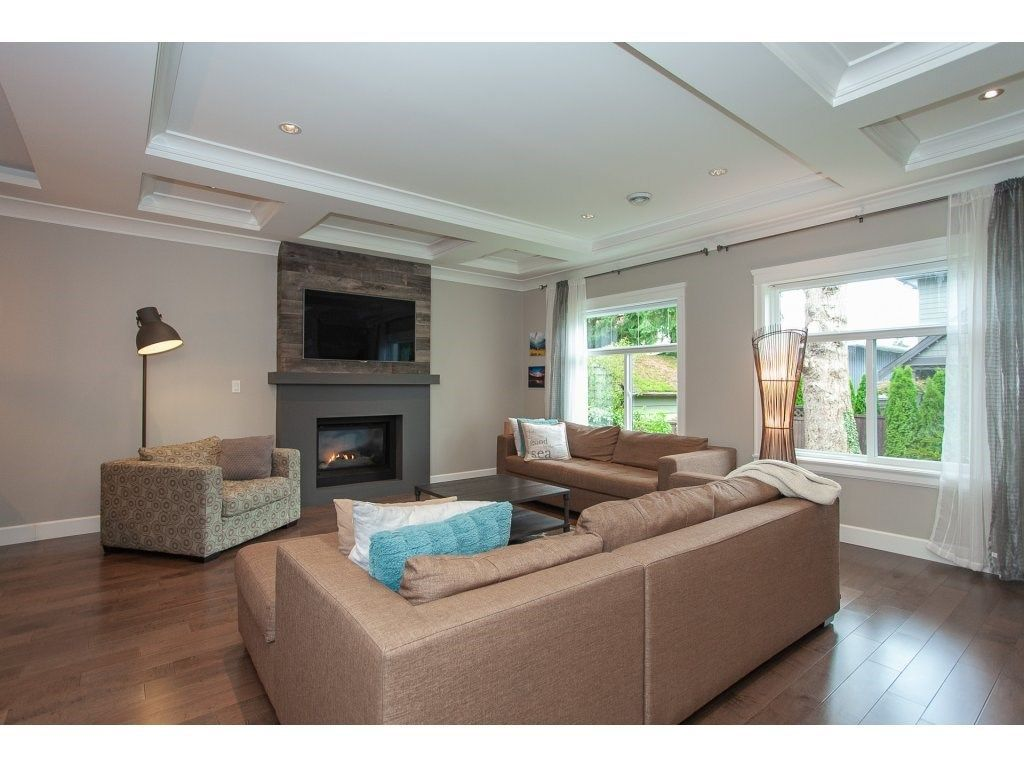 Photo 5: Photos: 1413 130 Street in Surrey: Crescent Bch Ocean Pk. House for sale (South Surrey White Rock)  : MLS®# R2311122