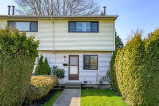 Photo 3: 15 5351 200 Street in Langley: Langley City Townhouse for sale : MLS®# R2550222