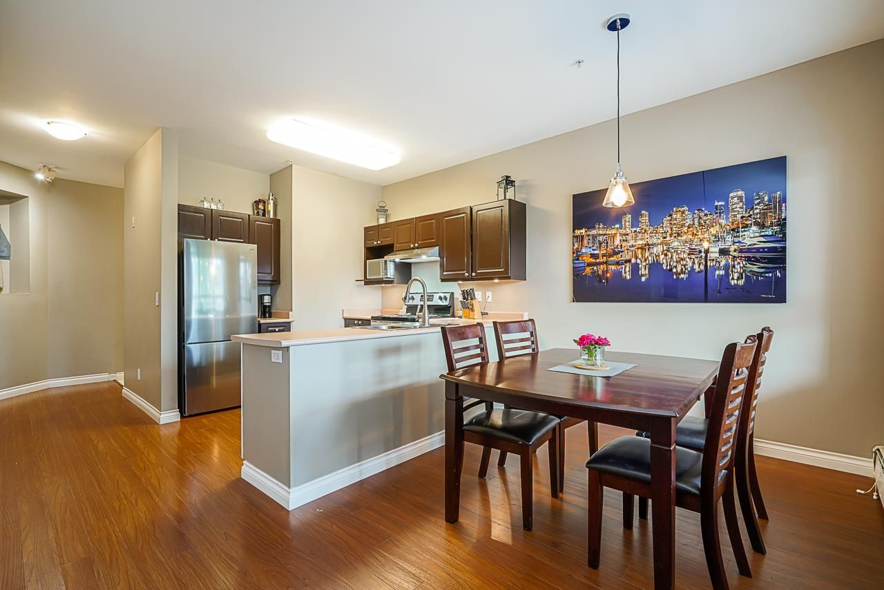 """Main Photo: 211 2109 ROWLAND Street in Port Coquitlam: Central Pt Coquitlam Condo for sale in """"PARK VIEW PLACE"""" : MLS®# R2511516"""