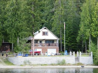 Photo 1: 5115 East Barriere FSR in East Barriere Lake: House for sale