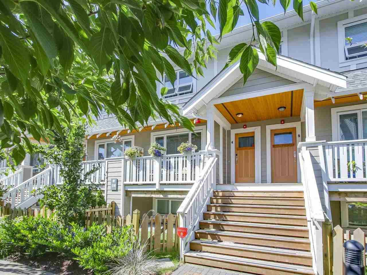 Main Photo: 4 278 CAMATA STREET in New Westminster: Queensborough Townhouse for sale : MLS®# R2193929