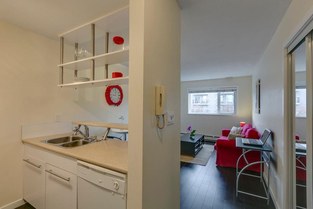 """Photo 13: Photos: 306 33 TEMPLETON Avenue in Vancouver: Hastings Condo for sale in """"North Templeton"""" (Vancouver East)  : MLS®# R2149760"""