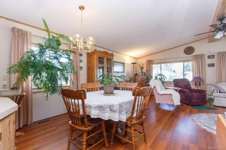Photo 8: 5 1536 Middle Rd in View Royal: VR Glentana Manufactured Home for sale : MLS®# 775203