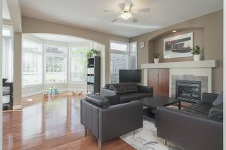 Photo 7: 14982 59A Avenue in Surrey: Sullivan Station House for sale : MLS®# R2487864