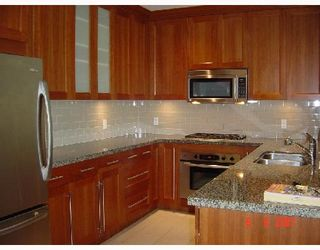 "Photo 9: 402 4759 VALLEY Drive in Vancouver: Quilchena Condo for sale in ""MARGUERITE HOUSE II"" (Vancouver West)  : MLS®# V661394"