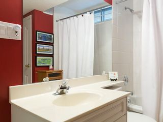 Photo 47: 2410 BAY VIEW Place SW in Calgary: Bayview House for sale : MLS®# C4137956