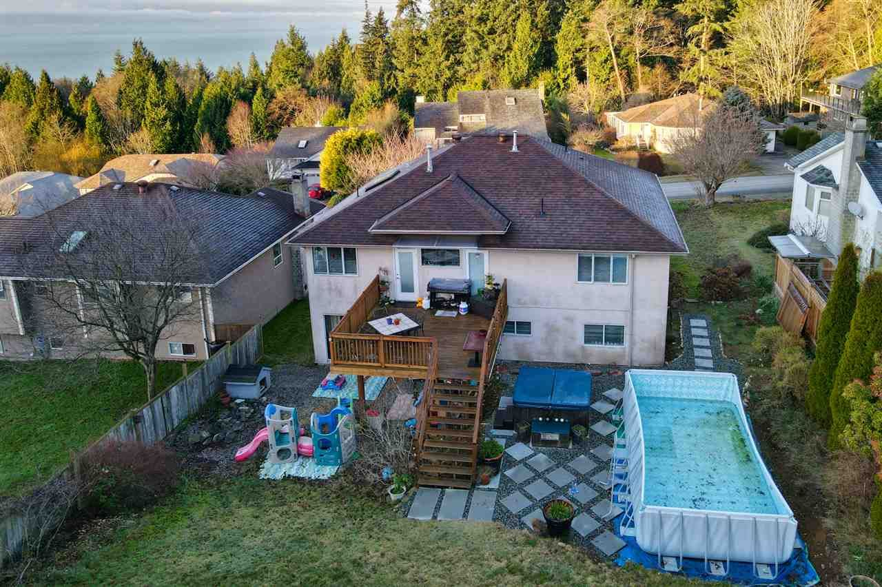 Photo 36: Photos: 486 OCEAN VIEW Drive in Gibsons: Gibsons & Area House for sale (Sunshine Coast)  : MLS®# R2526520