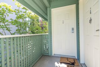 Photo 4: 3 112 ST. ANDREWS Avenue in North Vancouver: Lower Lonsdale Townhouse for sale : MLS®# R2609841