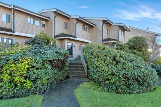 "Photo 1: 2 251 W 14TH Street in North Vancouver: Central Lonsdale Townhouse for sale in ""Timbers"" : MLS®# R2535659"