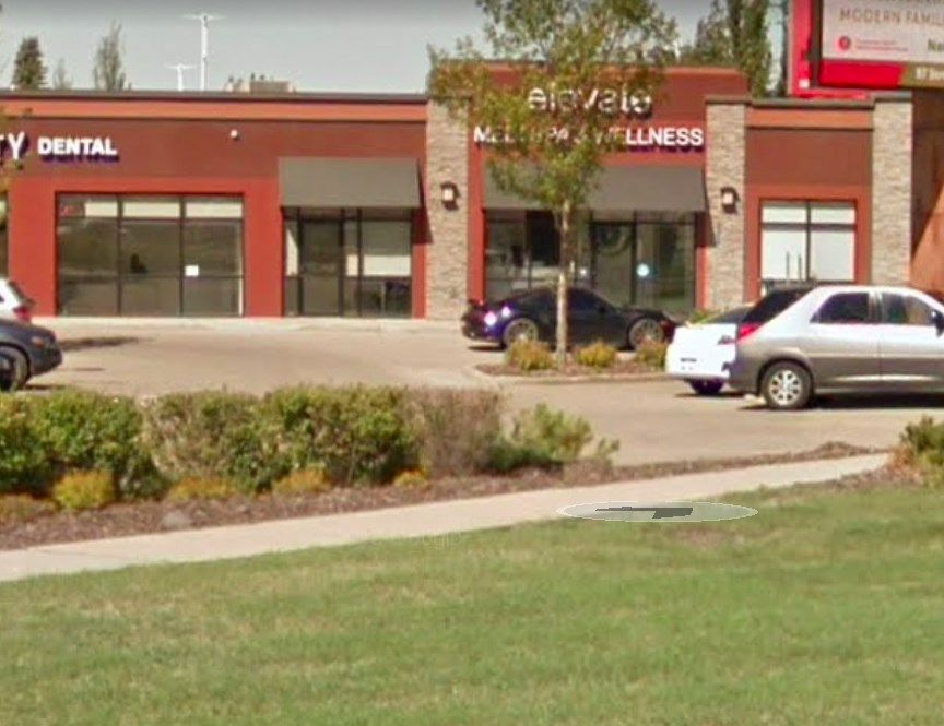 Main Photo: 9719 137 Avenue in Edmonton: Zone 01 Business for sale or lease : MLS®# E4233326