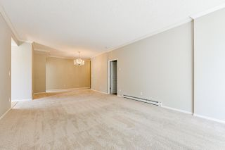 """Photo 19: 203 1705 MARTIN Drive in Surrey: Sunnyside Park Surrey Condo for sale in """"Southwynd"""" (South Surrey White Rock)  : MLS®# R2576884"""
