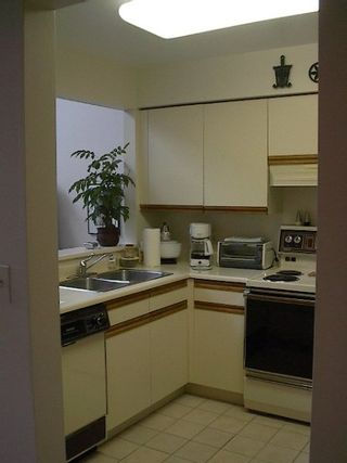 Photo 6: 2-level PENTHOUSE in freehold rainscreened bldg