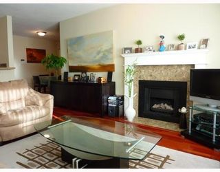 Photo 2: 102 833 16TH Ave in Vancouver West: Fairview VW Home for sale ()  : MLS®# V799882
