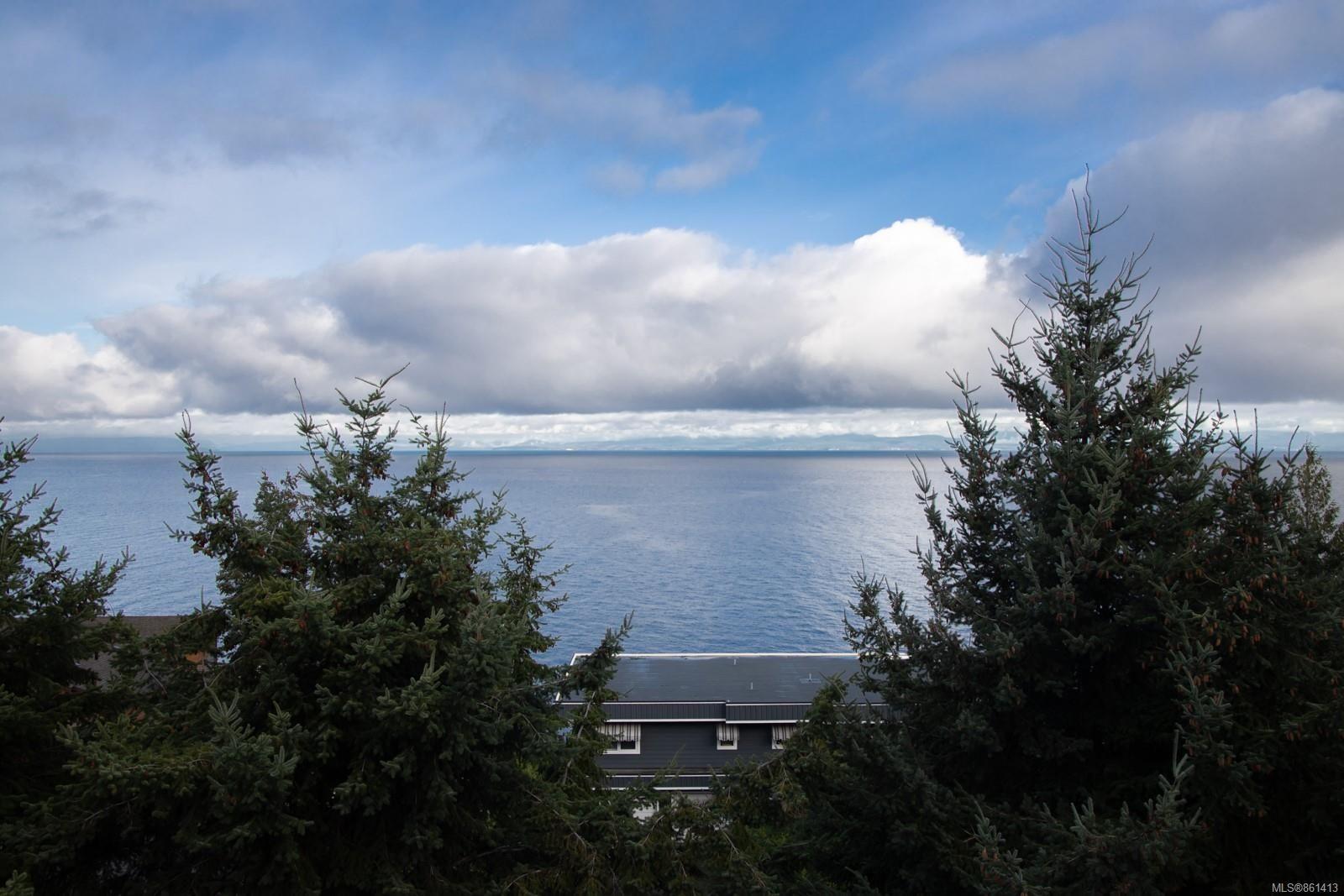 Main Photo: 4927 Fillinger Cres in : Na North Nanaimo House for sale (Nanaimo)  : MLS®# 861413