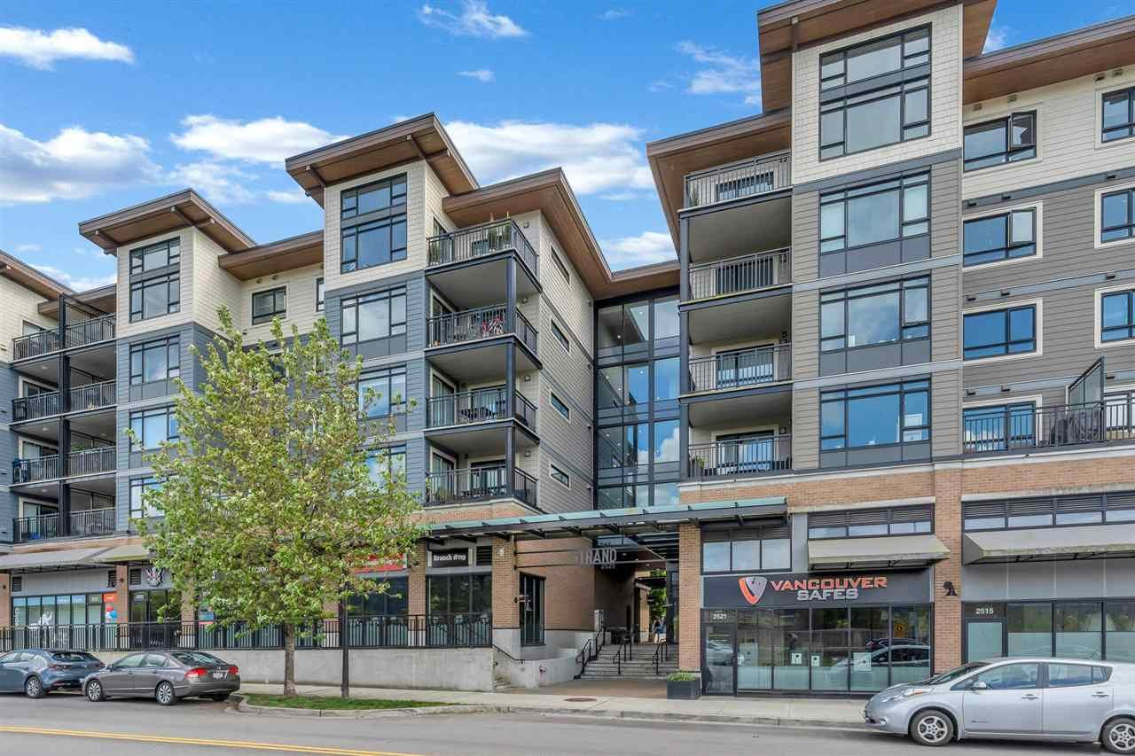 """Main Photo: 206 2525 CLARKE Street in Port Moody: Port Moody Centre Condo for sale in """"THE STRAND"""" : MLS®# R2581968"""