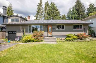 Photo 1: 924 VINEY Road in North Vancouver: Lynn Valley House for sale : MLS®# R2594861