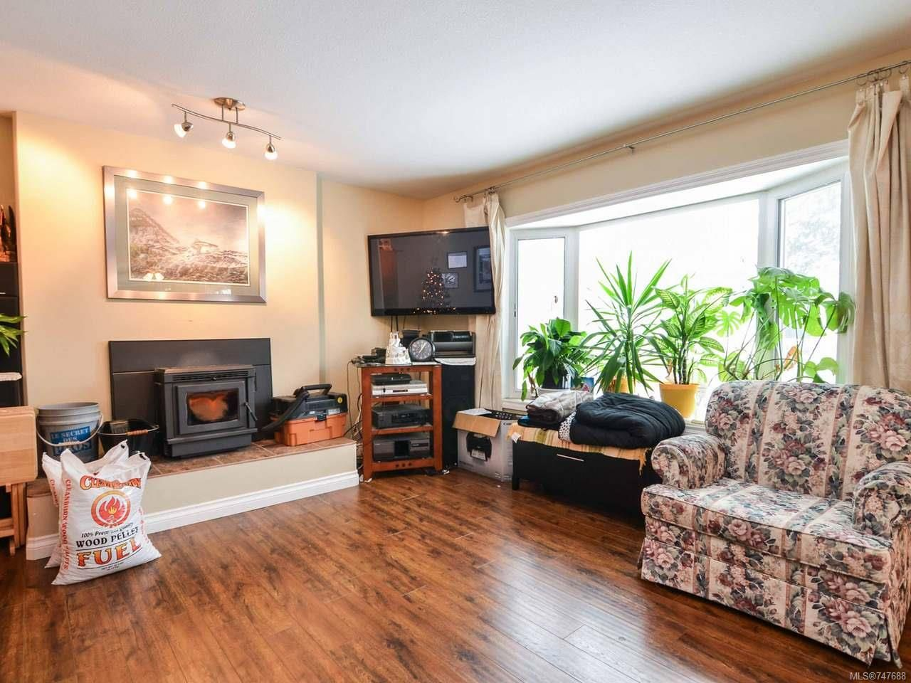 Photo 10: Photos: 228 Crawford Rd in CAMPBELL RIVER: CR Campbell River South House for sale (Campbell River)  : MLS®# 747688