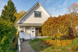 Photo 2: 4895 MOSS STREET in Vancouver: Collingwood VE House for sale (Vancouver East)  : MLS®# R2425169