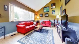 Photo 2: 38194 GUILFORD Drive in Squamish: Valleycliffe House for sale : MLS®# R2564994